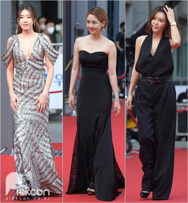 From left, Han Hye-jin, Oh Jung-yeon and Chae Jung-an