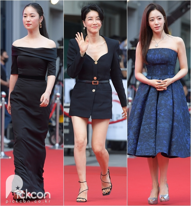 From let, Jeon Yeo-been, Jin Seo-yeon and Ham Eun-jung
