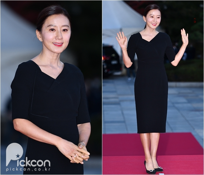 Actress Kim Hee-ae Opts for Elegance in Black